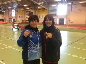 Gulljenter på NM Veteraner innendørs 2016. Janice Astrid Flaathe og Anneli Henriksen